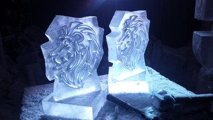 Lion Ice Sculpture Table Centre