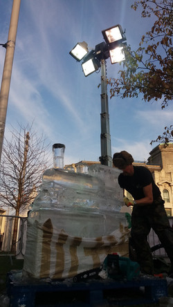 Lice Ice Carving Greenwich