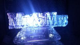 Mr & Mrs Ice Sculptue/Luge