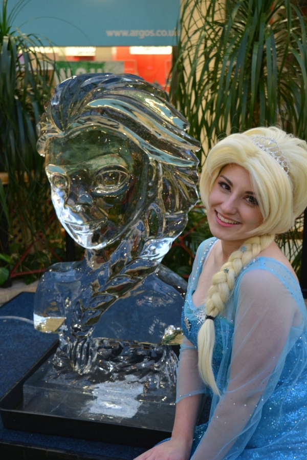 Frozen Elsa Vodka Ice Luge