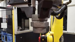 La Mark Two de Markforged permet d'imprimer des mâchoires sur mesure pour des robots industriels