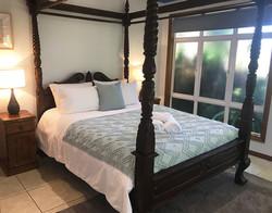taj-on-byrnes-mareeba-master-bedroom-web