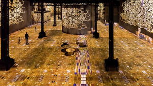 Klimt meets digital in Paris and it's l'amour at first sight!