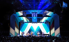 Claypaky Fixtures Help Paul Guthrie Give a Modern Edge to the Hall & Oates Legacy on Summer Tour