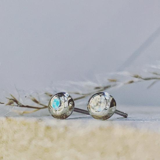Stone Set Pebble Earrings