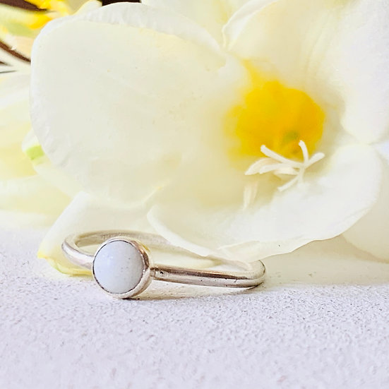 Breastmilk Ring with 5mm stone