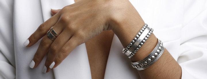 Studs Hammered Bangle Bracelet