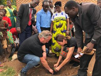 Inauguración Aula para Profesores en la Escuela de Mgona, Lovimbi