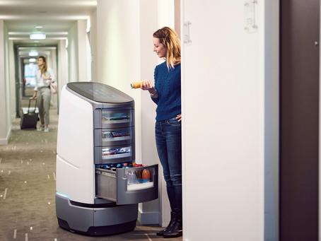Wenn Service–Roboter Gäste beliefern