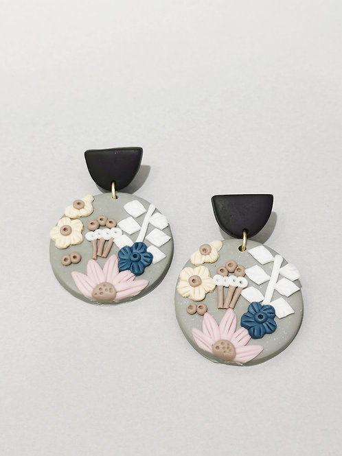 E00981 CLAY EARRINGS