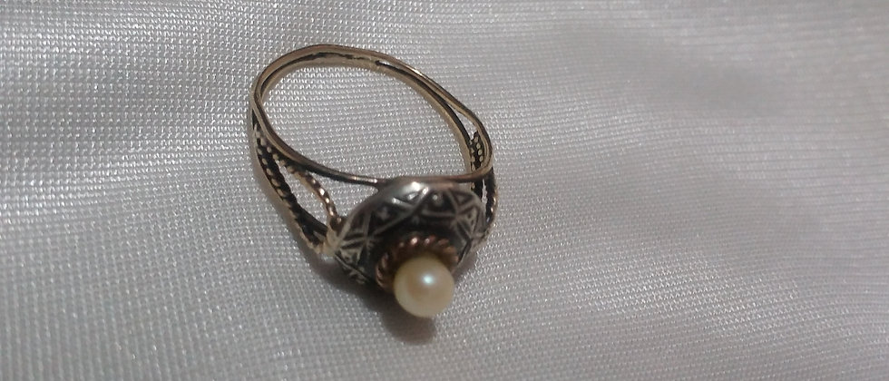 Art Deco Gold and Silver Ring with pearl circa 1925