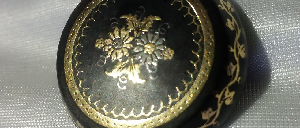 Victorian Tortoiseshell Silver and Gold Pique Round Brooch circa 1860