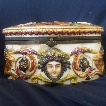 Antique Porcelaine - Antiques Dealer in London, UK | Antiques Store in London