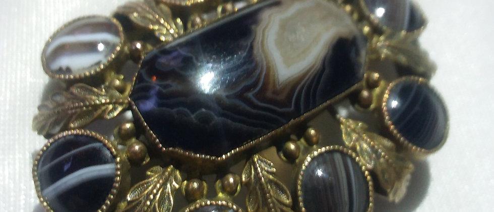 Victorian Scottish Agate Gilded Metal Clasp Brooch circa 1860