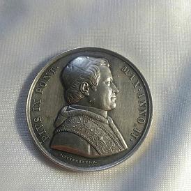 Antique Medals & Badges - Antiques Dealer in London, UK | Antiques Store in UK