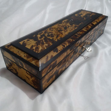 Objects of Art - Antiques Dealer in London, UK   Antique Store in London   Antique Jewellery and Collectibles.jpg