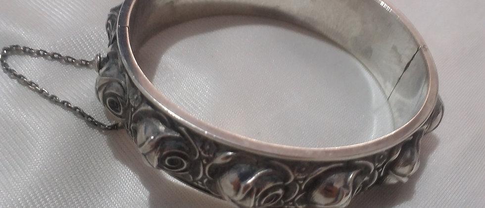 Art Deco Continental Silver Roses Bracelet large size circa 1930