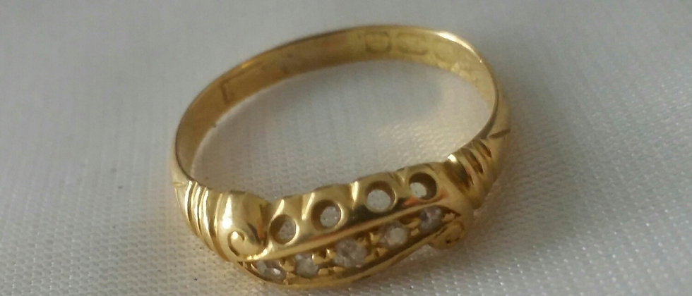 Edwardian 18ct Gold and Old Mine Cut Diamond Ring Size P circa 1910