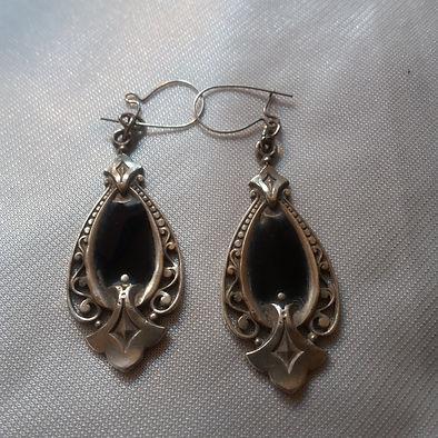 Antique Earrings - Antiques Dealer in London, UK   Antiques Store in London