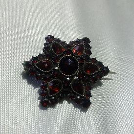 Garnet Jewellery - Antiques Dealer in London, UK | Antiques Store in London
