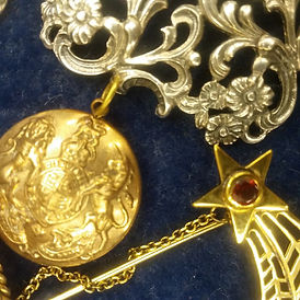 Antique Estate Jewellery - Antiques Dealer London, UK | Antiques Store in London