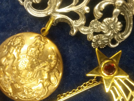 Have You Tried to Purchase Antique Jewellery From House of Piqué?