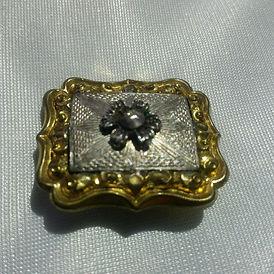 Antique Sentimental Jewellery - Antiques Dealer in London, UK | Antiques Store