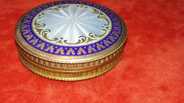 Snuff boxes - Online Antique Store | House of piqué