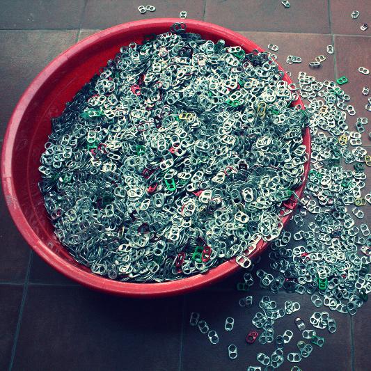 languettes de canettes recyclés