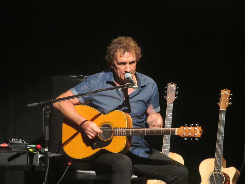 Ian Moss performing for his fans at Eastbank.