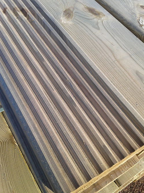 TANALISED Softwood Decking  Smooth/Grooved 32 x 125mm / mtr