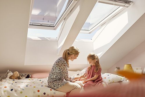 VELUX GGL CK02 2070, WHITE PAINTED WINDOW