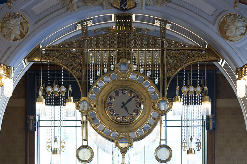Clock at Francouzská Restaurace Art Nouveau
