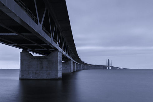 The%20Oresund%20Bridge%20from%20Sweden%20with%20a%2030%20second%20long%20exposure_edited.jpg