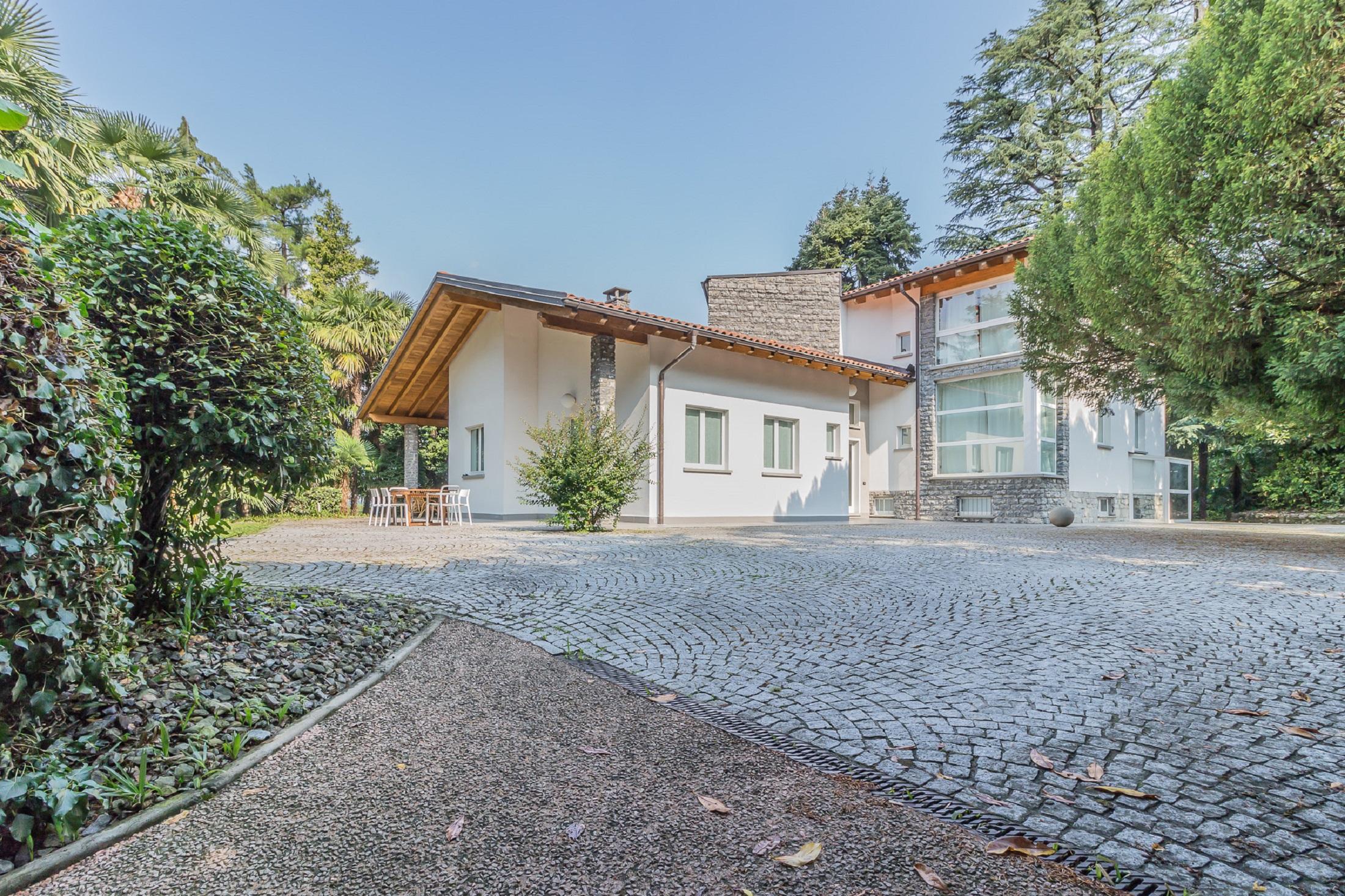 villa-lierna-vendita-for-sale-immobilare