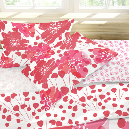 Red Poppies and Coordinated Bedding