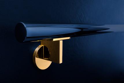 Produktfotografie Handlaufhalter in Gold mit Schwarz