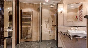 Erlebnisdusche mit MWE-Systemen im Haupt-Badezimmer