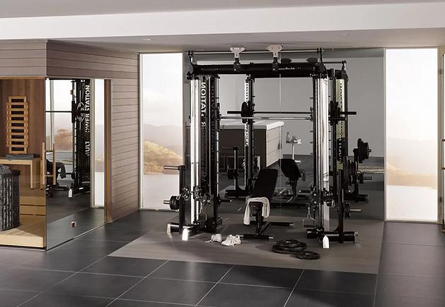 Multipowerstation als Sportbereich im eigenen Heim.