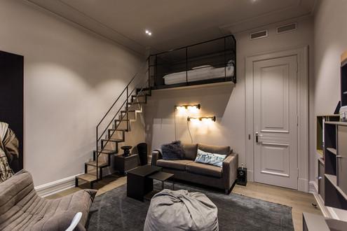Altbauvilla mit Alsterblick Schlafzimmer Treppe im Wohnzimmer