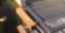 Detailansicht: Holzgriffe beim Grill Diablo.
