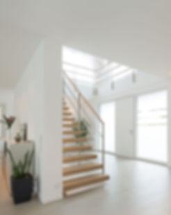 BX_Wohnhaus-Eingangsbereich-weiss.jpg
