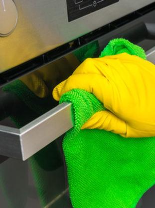 Die wichtigsten Tipps für eine nachhaltige Edelstahlpflege finden Sie hier.