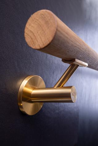 Handlaufhalter mit Holz und Gold