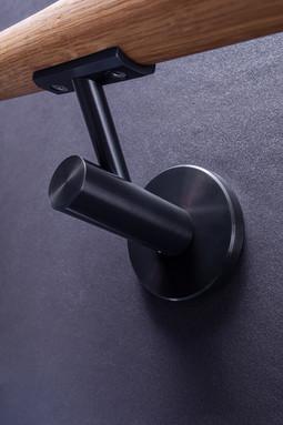 Handlaufhalter mit Holz in Schwarz