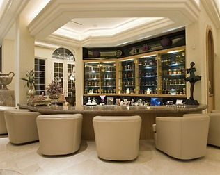 Elaborate Design For A Contemporary Home Bar