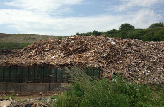 Spånplader af genbrugstræ - Design from Recycling - eller for Recycling?