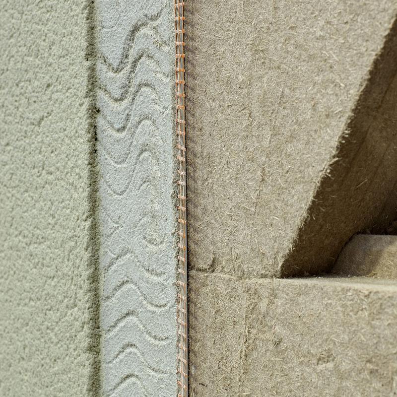 木質断熱材+NHL(水硬性漆喰)の外壁