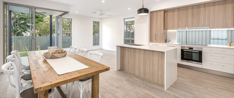 Award winning builders with over 25 years' experience - servicing Gold Coast and Brisbane areas