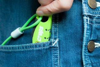 ポケットに収まるサイズ感